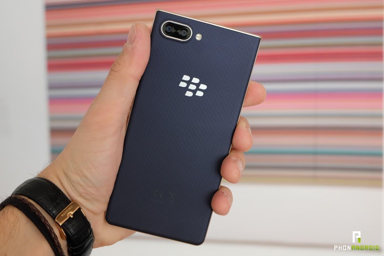 test blackberry key2 le review
