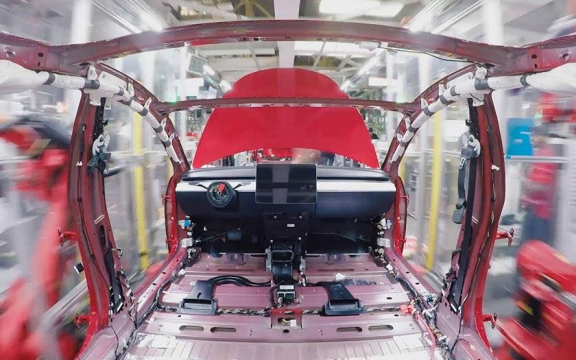La Tesla Model 3 en assemblage