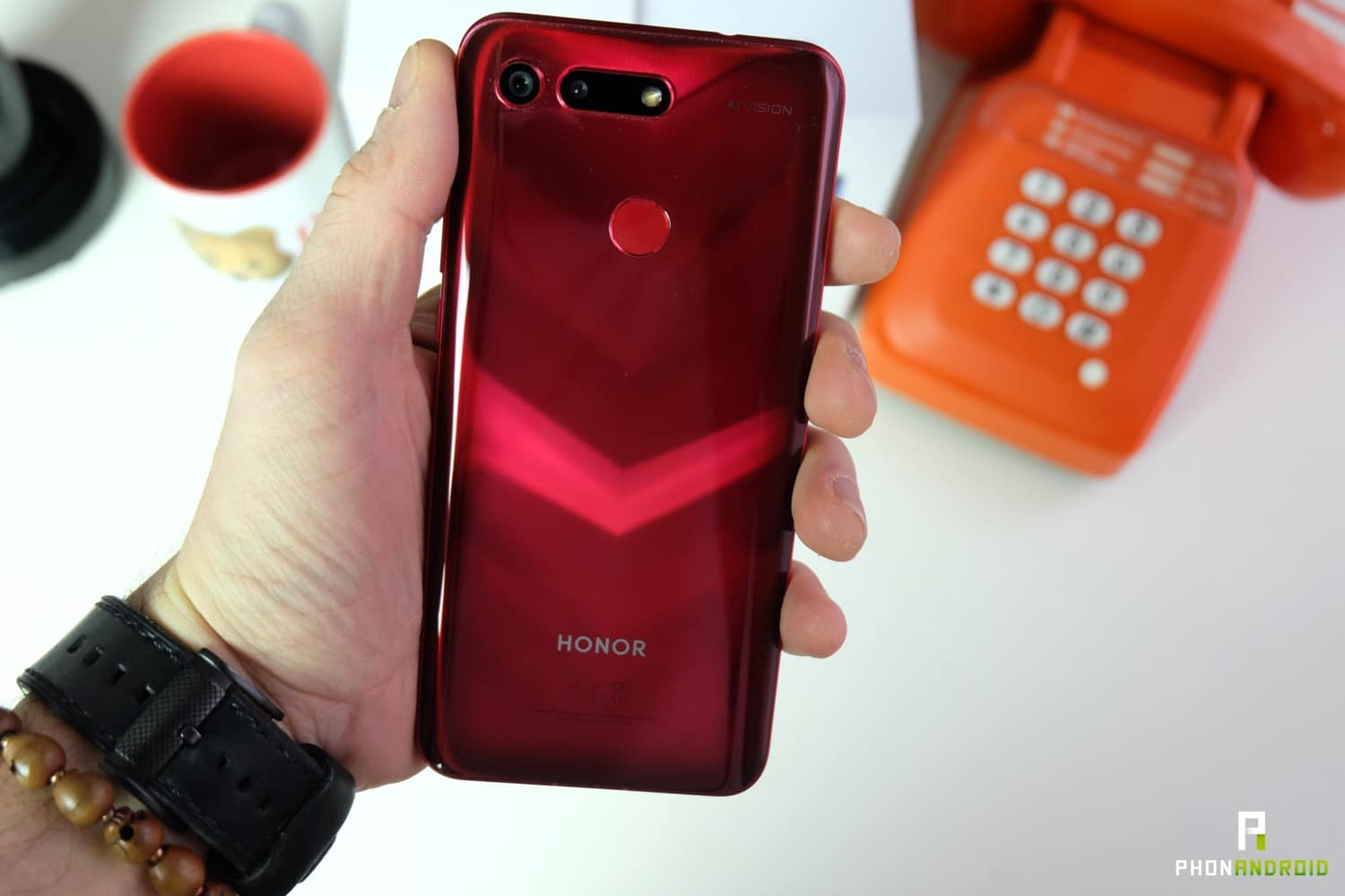 comparatif honor view 20 OnePlus 6t batterie