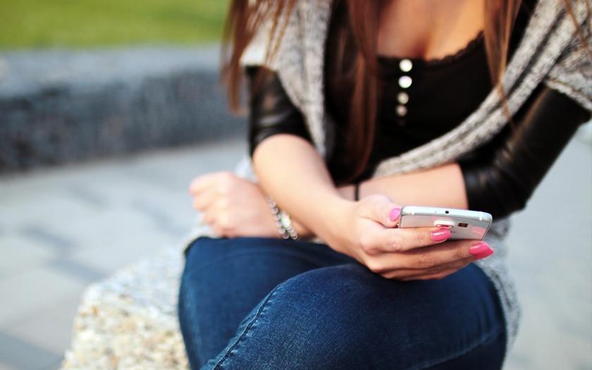 Les SMS textos sont en déclin