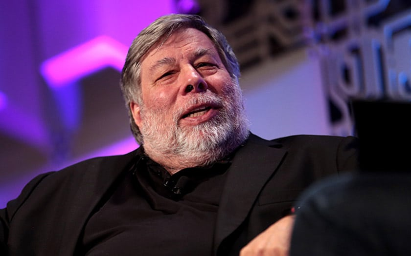 iphone pliable steve wozniak inquiet