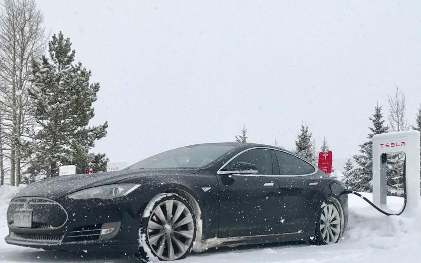 tesla voitures electriques autonomie basse température