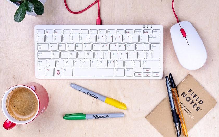 Raspberry Pi a un clavier et une souris officiels