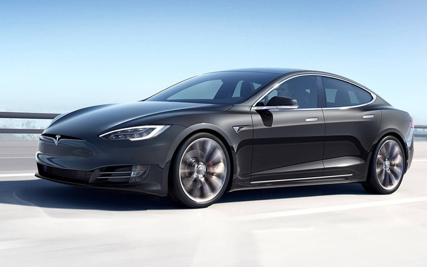tesla model s autopilot roule sans conducteur video
