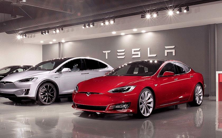 Tesla Model S et X