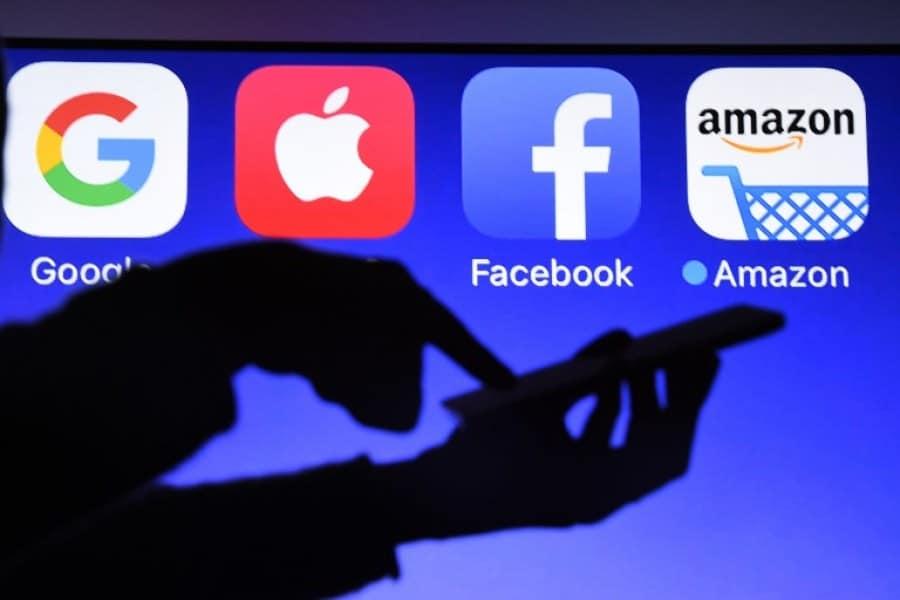 Google Apple et Facebook bientôt forcés de dire combien valent vos données