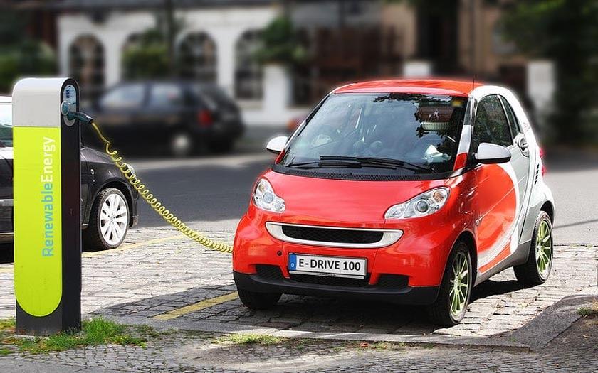 voiture électrique recharge