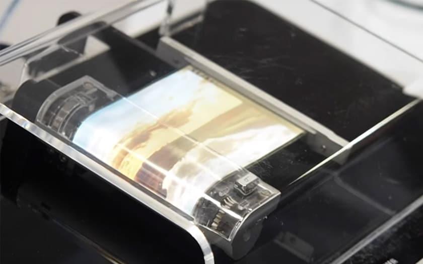 Sony pourrait lancer un smartphone 5G avec écran pliable et enroulable début 2020