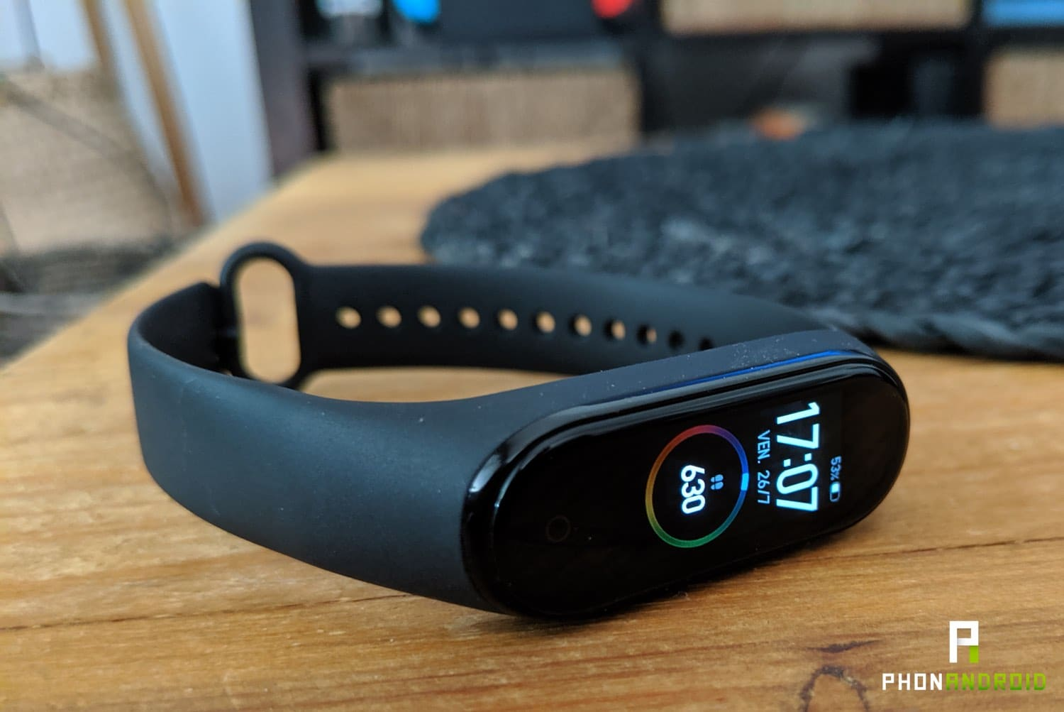 test xiaomi mi band 4 design