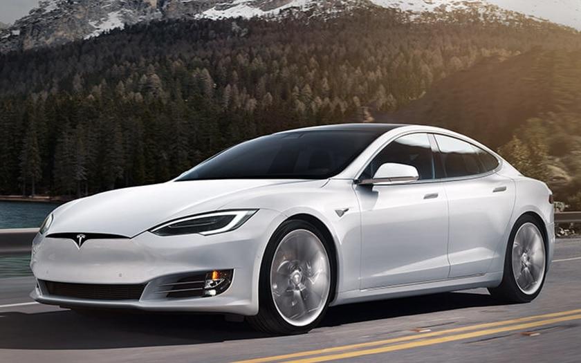 La fonctionnalité Smart Summon des Tesla n'est pas au point