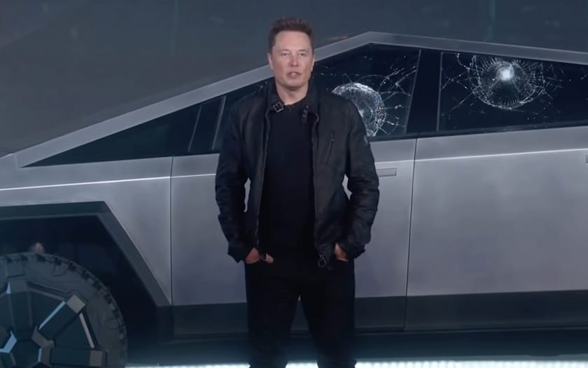 Elon Musk Cybertruck Vitre Cassee