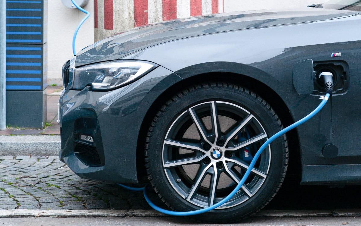 dossier ou charger un vehicule electrique 3