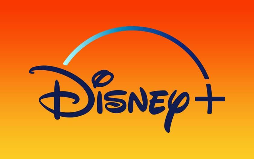 logo disney+ et fond coloré