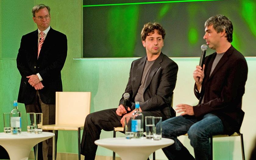 Sergey Brin et Larry Page au premier plan