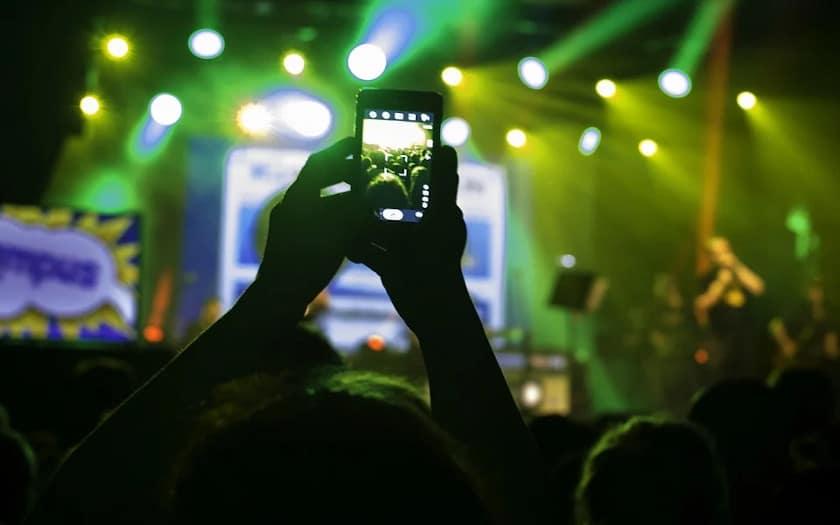smartphone concert interdit