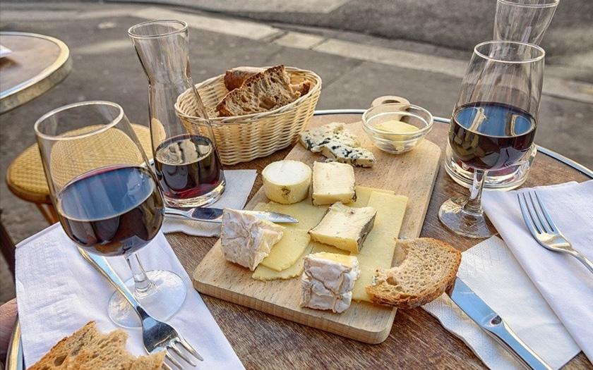 Vin et fromages français