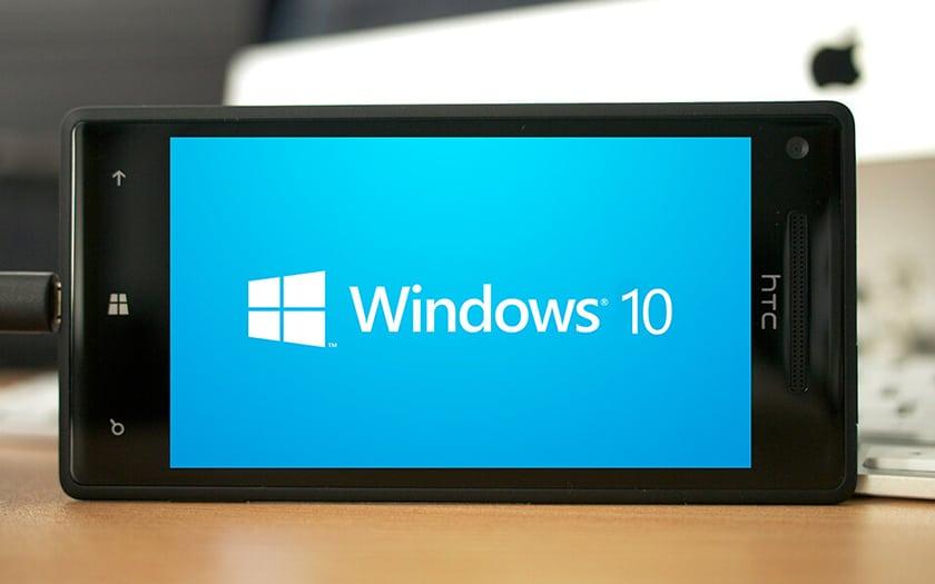smartphone HTC et fond d'écran Win10