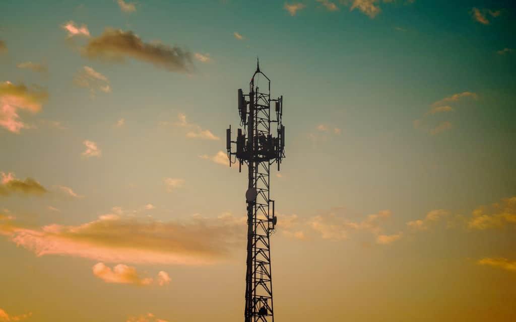 Tour antennes téléphone smartphone