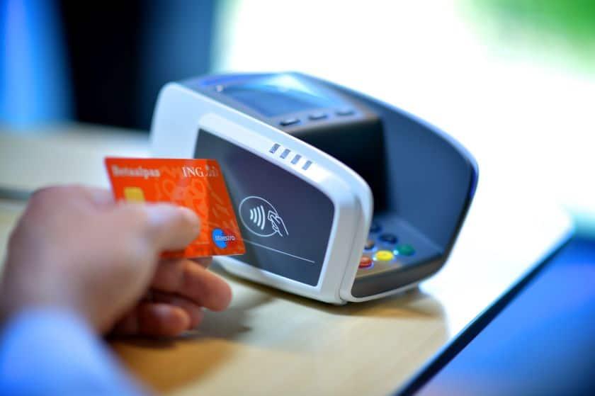 Paiement sans contact : comment protéger sa carte bancaire du ...