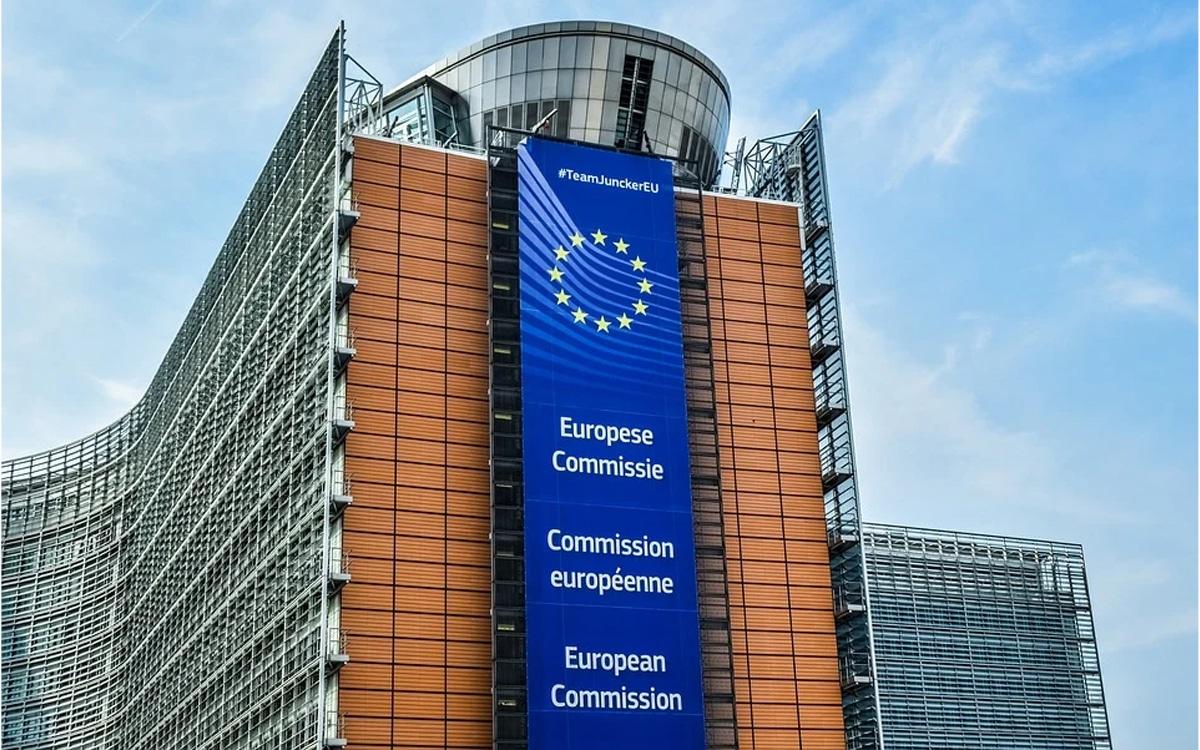 commission européenne fake news gafa