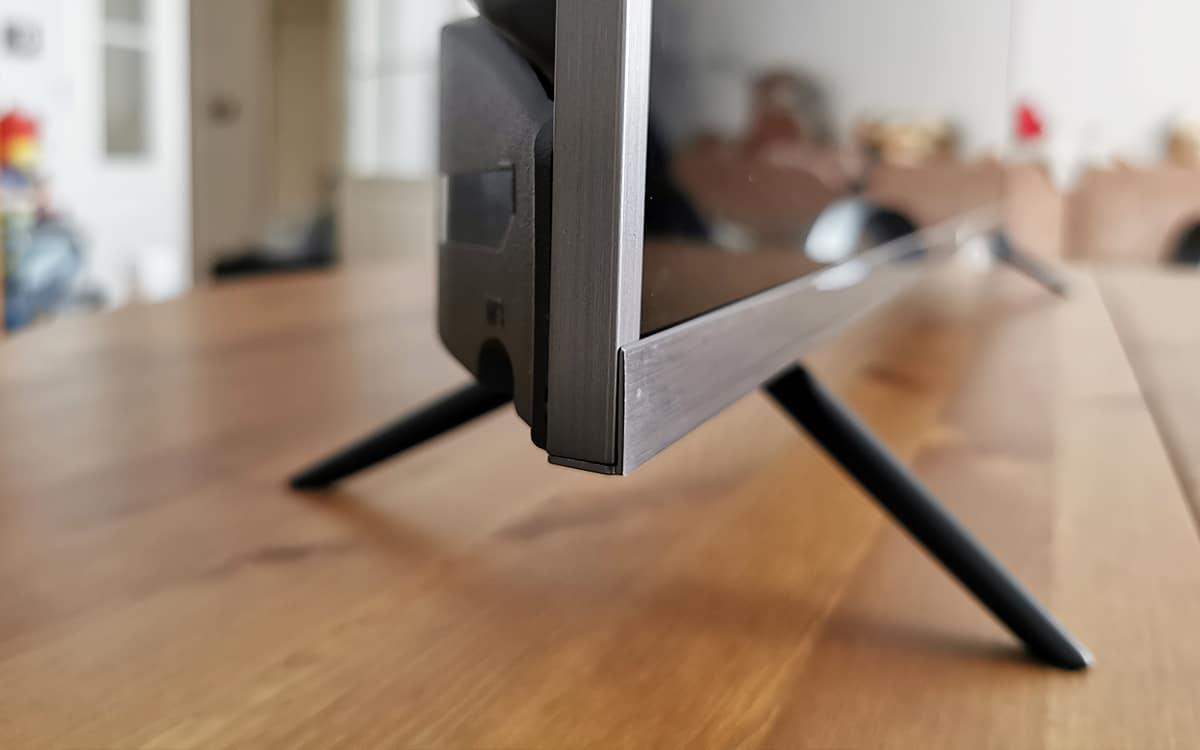 Xiaomi Mi TV 4S angle bas