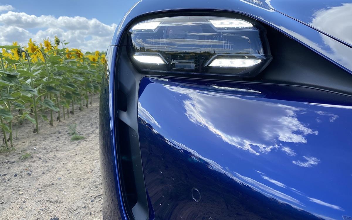 Porsche Taycan Signature lumineuse