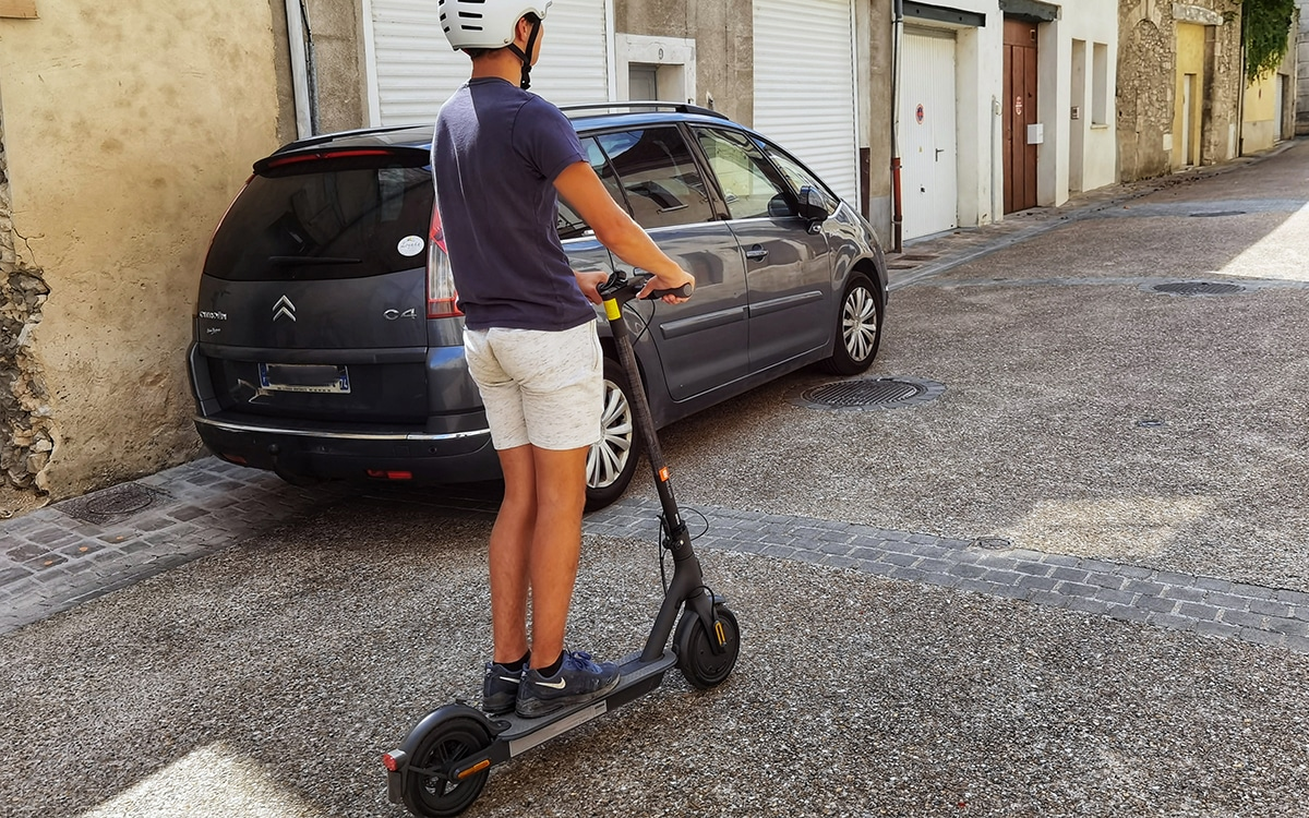 Xiaomi Mi Scoonter Electric Essential 17 - Xiaomi Mi Electric Scooter Essential review: an electric scooter that has it all