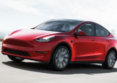 tesla model y mise jour 2000 dollars
