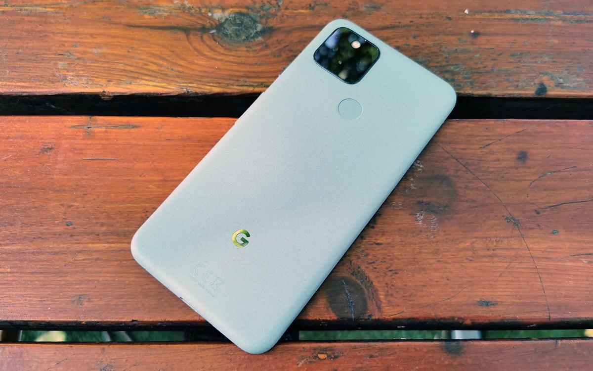 Google Pixel 5 vue de dos