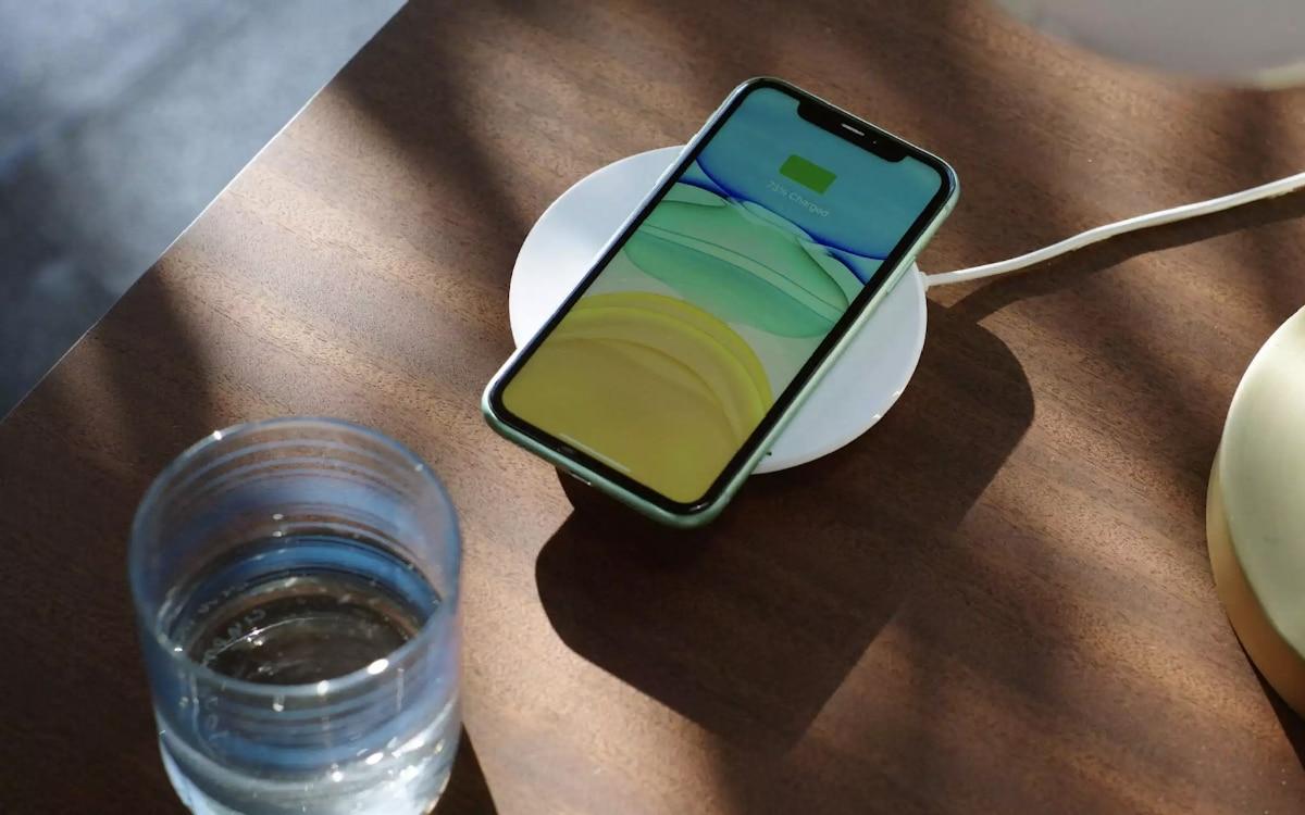 Chargeur sans fil Magsafe et iPhone 12