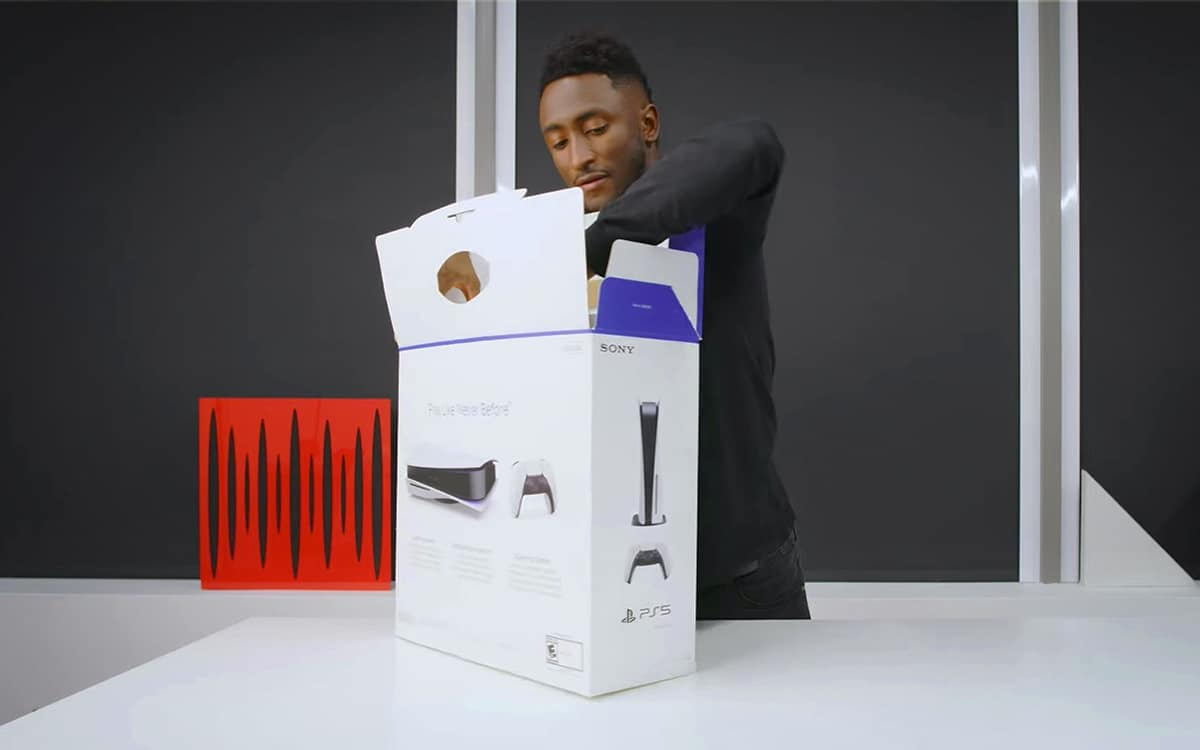 PS5 Unboxing MKBHD