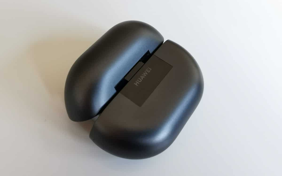 Huawei Freebuds Pro hinge