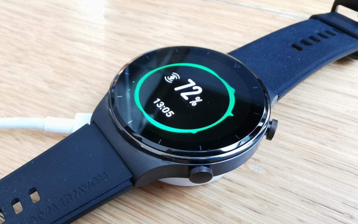 Huawei Watch GT 2 Pro sur socle