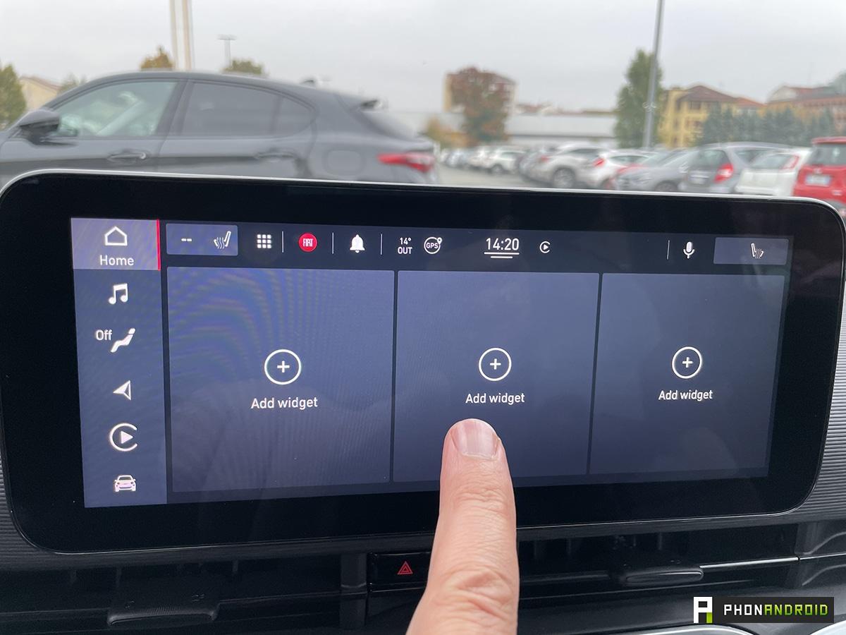 Fiat 500e touchscreen