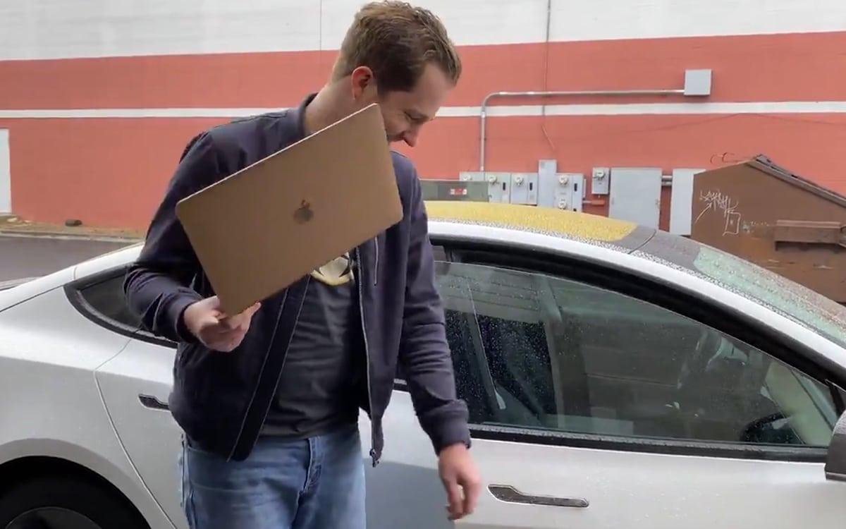 MacBook Air M1 Tesla