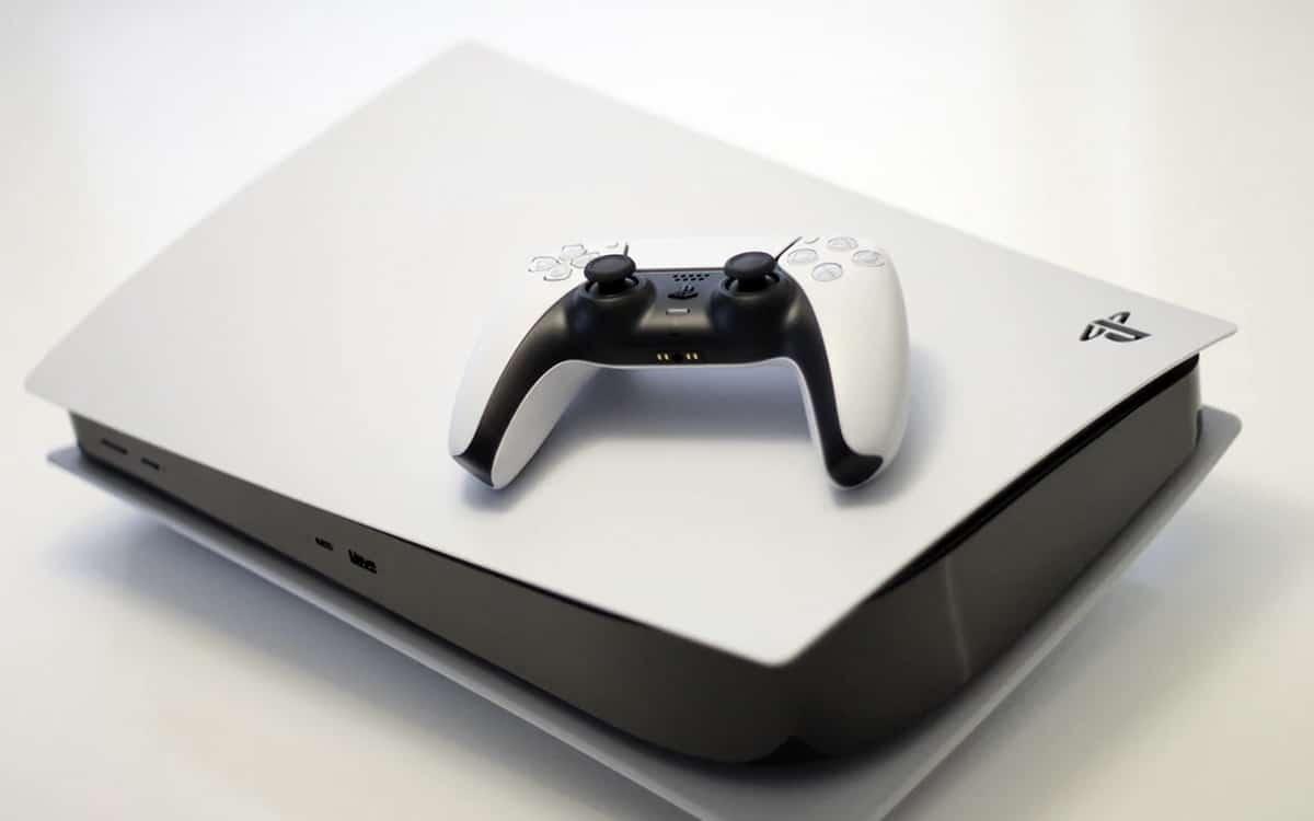 PS5 et manette DualSense