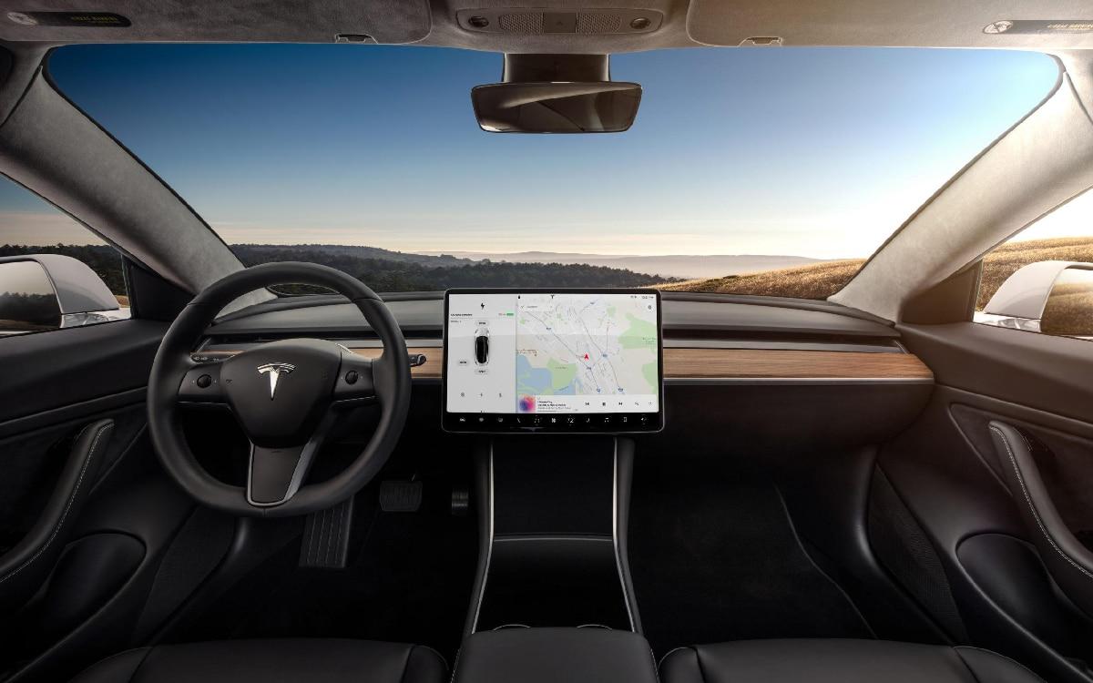tableau de bord Tesla