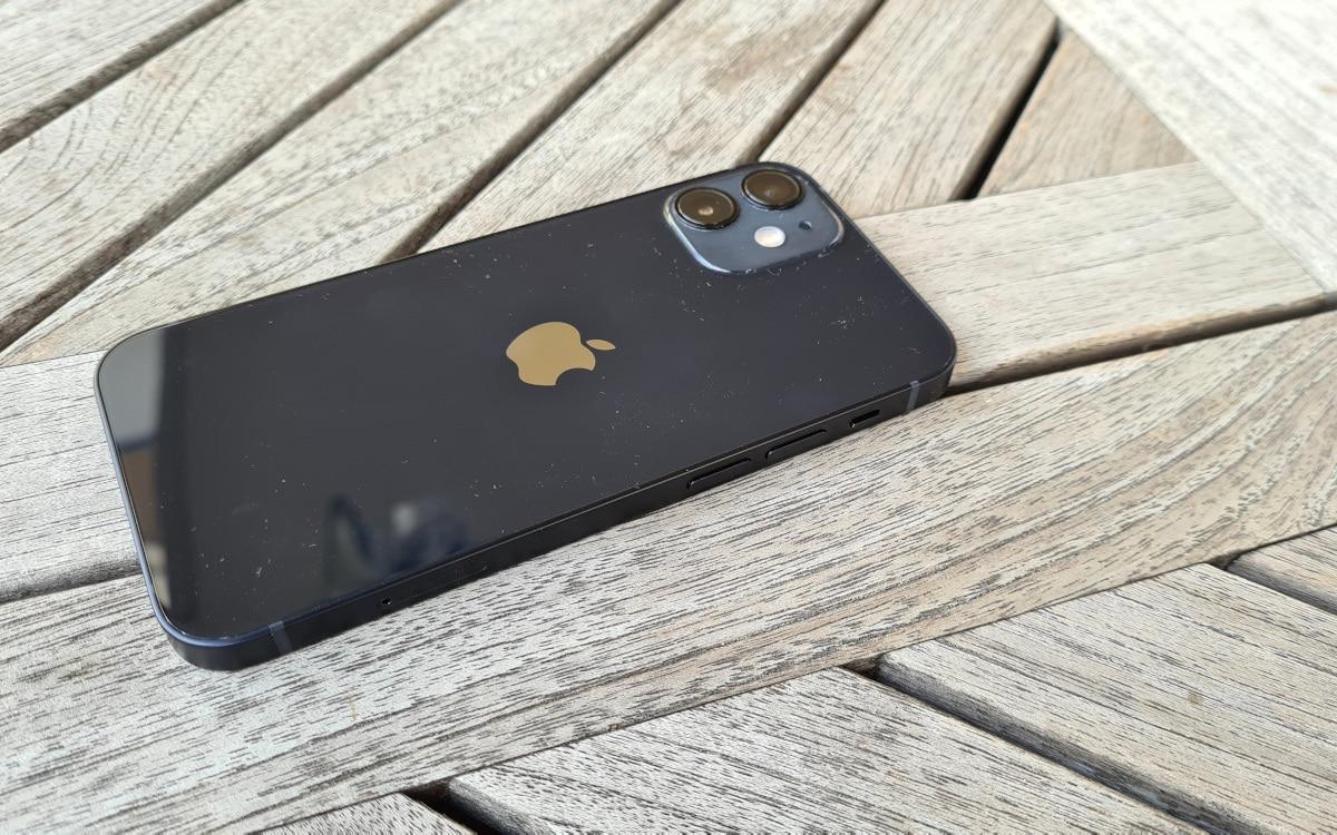 test apple iphone 12 mini design 5