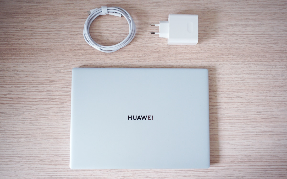 Huawei MateBook X ferme vue dessus