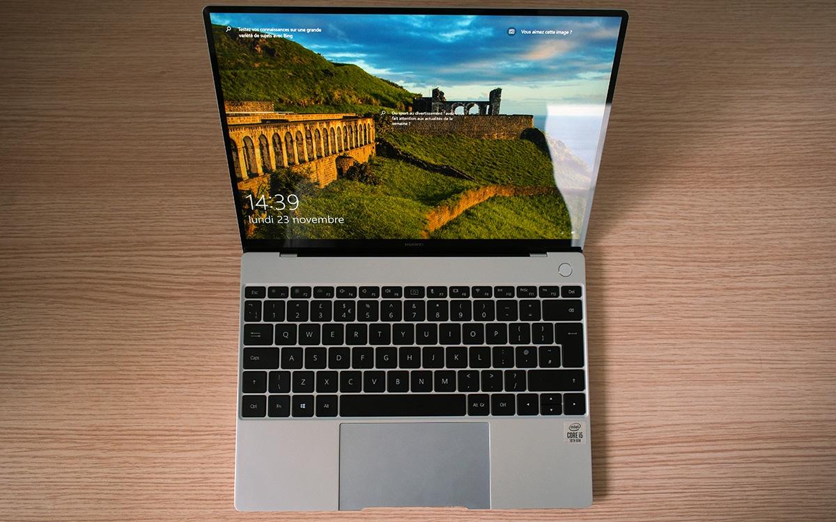 Huawei MateBook X ouvert vue dessus