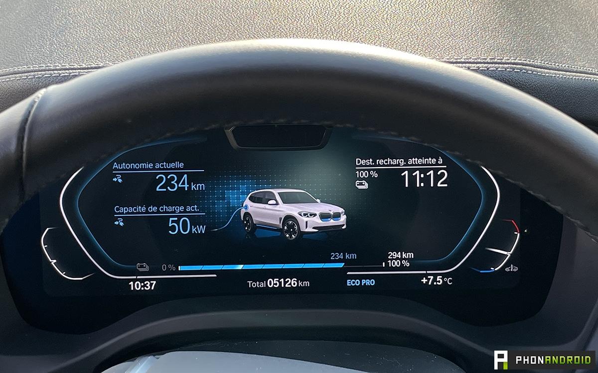 BMW iX3 charging screen