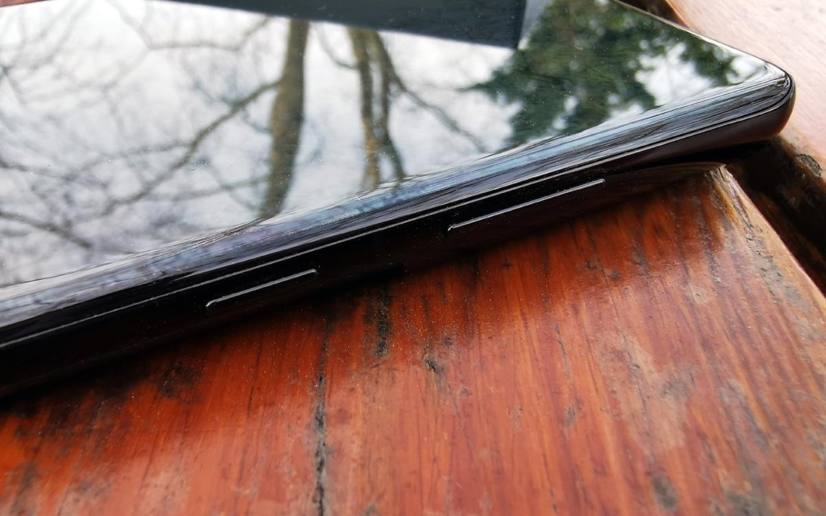Samsung Galaxy S21 Ultra vue de cote