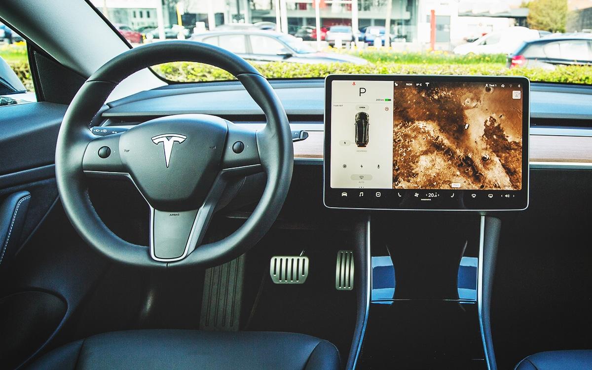Tesla écran panne