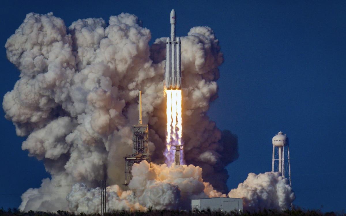SpaceX Falcon 9 Heavy Crew Dragon