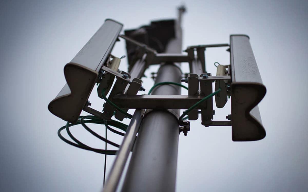 Pylône antenne antenne-relais 5G