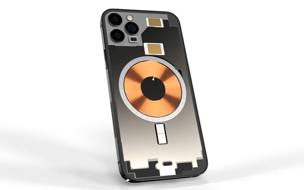iPhone 13 avec un module de recharge sans fil plus grand