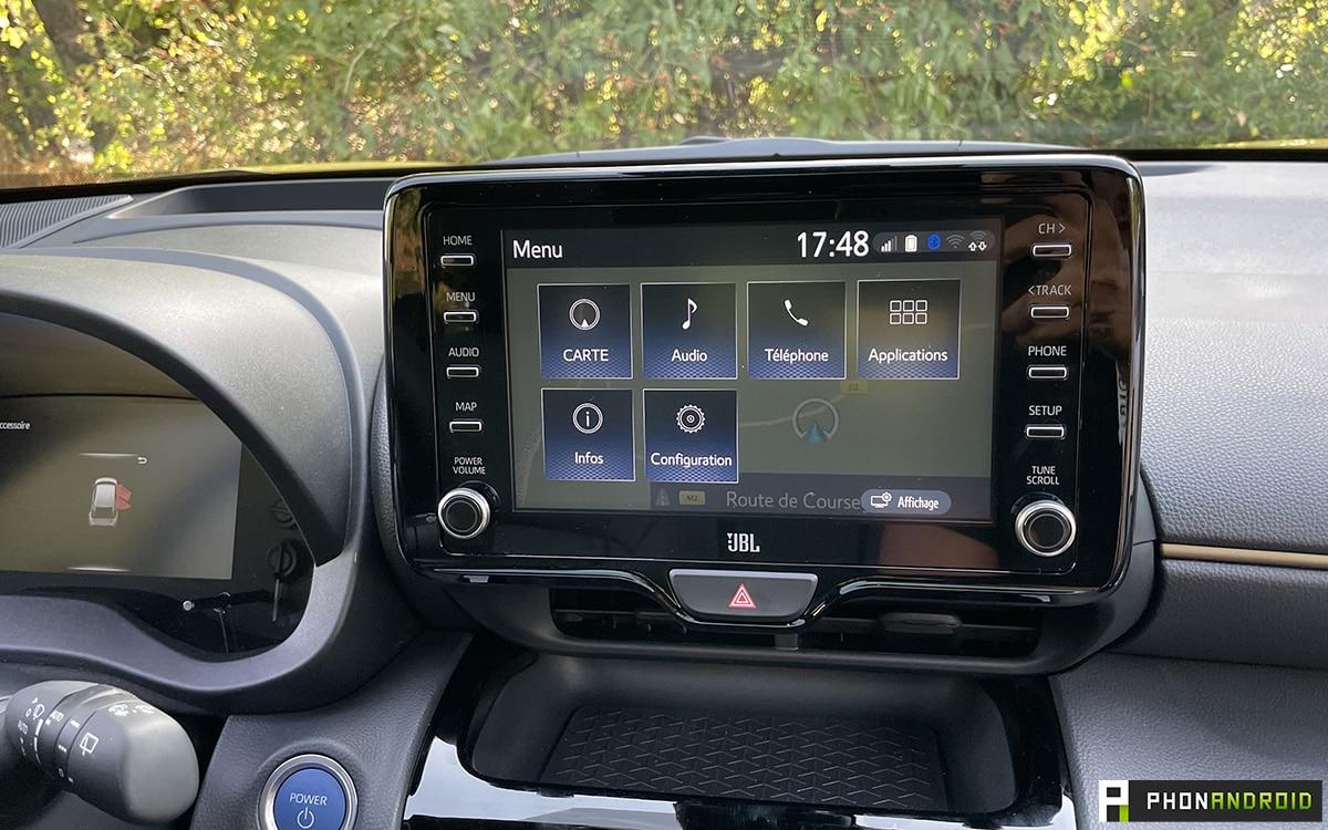 Toyota Yaris Cross infodivertissement